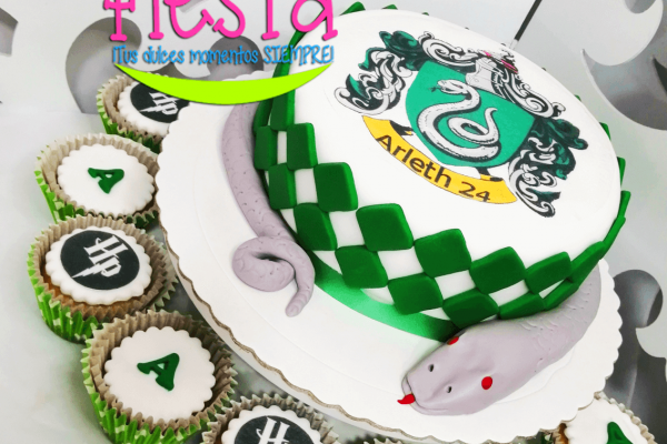 torta-harry-potter-arleth-escudo-slytherin148307C3-1A5A-659A-121B-A12F6F3E43EE.png